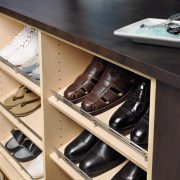 Slanted shoe shelving