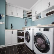 Laundry room with bench2